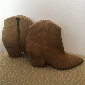 Lucky Brand Ellamy Western Style Boots 8